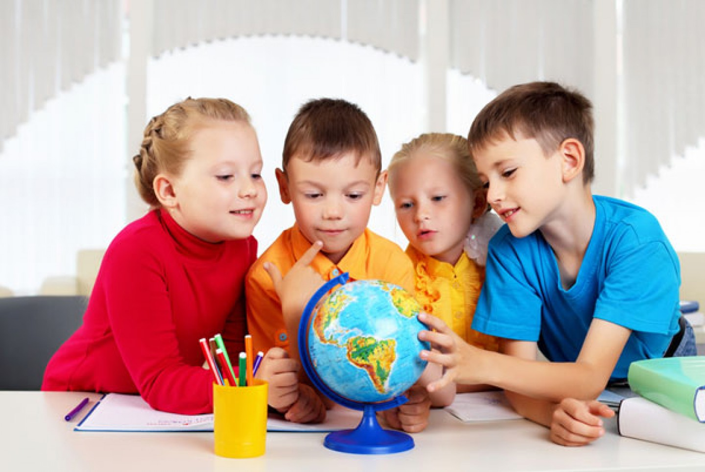 Time for English.Cursos especiales para niños a partir de 4 años